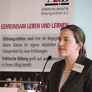 AdB-Fachtagung am 24./25.11.2015: Vortrag von Dr. Judith Niehues, Institut der deutschen Wirtschaft, Köln