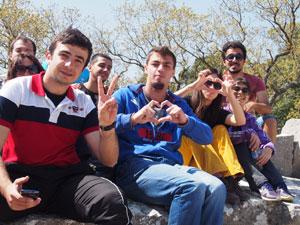 Junge Menschen aus Alanya an der Lykischen Küste