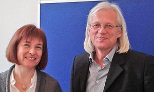 Caren Marks (links im Bild) und Ulrich Ballhausen, Vorsitzender des AdB