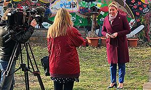 Bundesjugendministerin besucht Jugendbegegnungsstätte und tauscht sich mit Zentralstellen aus