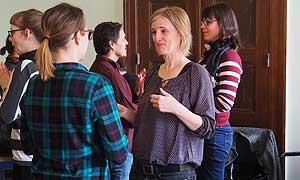 Die Jugendbildungsreferentinnen und -referenten lernen sich während der Zentralen Arbeitstaguung näher kennen