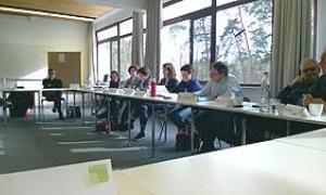 Die Mitglieder der Kommission Verwaltung und Finanzen während ihrer Sitzung