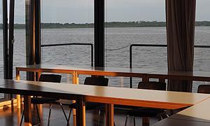 Hier der Schwimmende Seminarraum des Jugendbildungszentrums Blossin e. V.