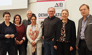 Neu gewählter AdB-Vorstand (v.l.n.r.): Karin Pritzel, Christine Reich, Ulrich Ballhausen, Nina Pauseback, Boris Brokmeier, Birgit Weidemann, Martin Kaiser (nicht im Bild: Albert Fußmann)